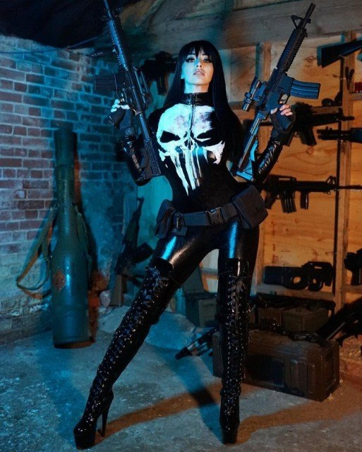 New cosplay set coming to OnlyFans this weekend! PUNISHER 💀 #punisher #marvel #cosplay #marvelcosplay