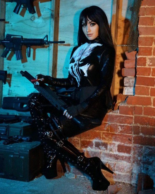 Sometimes I like to pretend I'm a badass... Can I be in the new @whatifmarvels now?? #punisher #cosplay #marvel #whatif