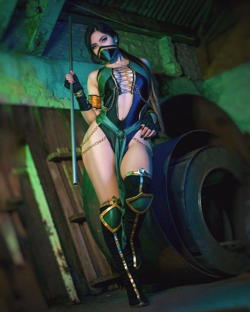 Jade 💚 Full set coming this month on 🅿️😋 What's your favorite Mortal Kombat character? 🤓 Let me know in the comments ✨ _________________________________ 🔸 Costume: @eumarianajade 📸: @amoreirafotografiacosplay