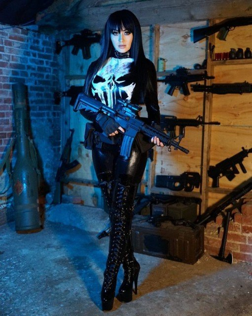 My Punisher set is now on OnlyFans If lewds are your kind of thing... no worries if not! Have an awesome weekend 💀🖤
