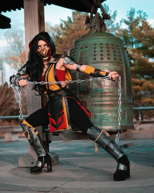 GET OVER H...to paytreeon for this full Scorpion cosplay set...