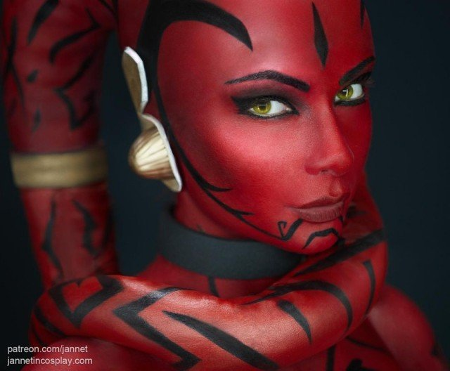 One of my favorite portrait ever 🥰 Thank you for amazing comments and feedback about my work 🥰 Full DT photoshoot +4K you can get at Patreon.com/Jannet 😘 Bodyart @evatailworkshope 🤩 #darthtalon #darthtaloncosplay