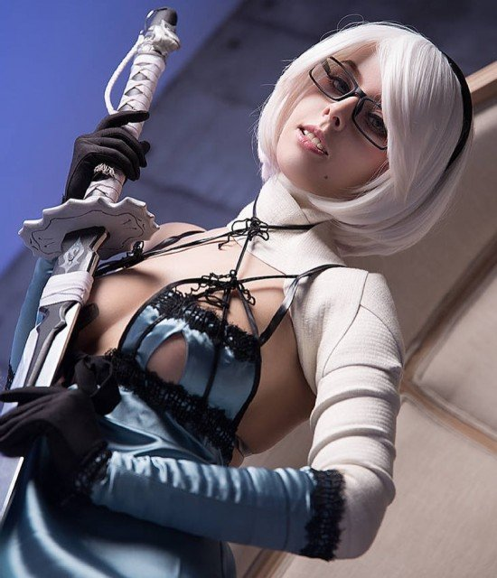 2b in Kaine outfit~ what do you think about this...