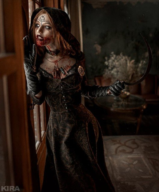 Lady Dimitrescu or Daniella?If we talk about cosplay, I've made...