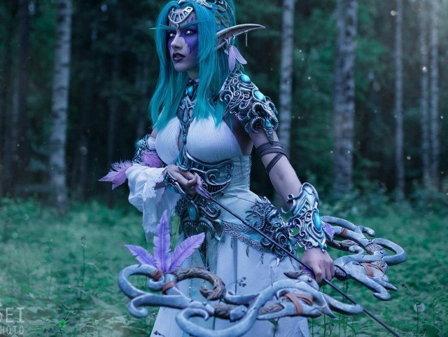 """""""Elune gives me strength. The wrath is mine alone."""" 🏹This..."""