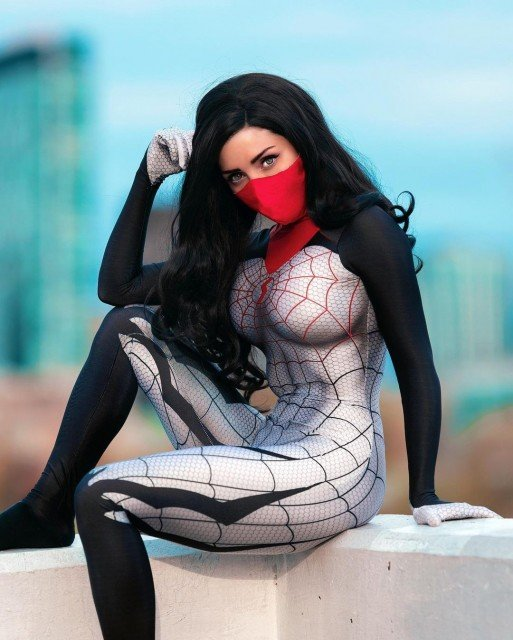 Casually sitting on a roof top ledge for #webheadwednesday 🕷🕸...