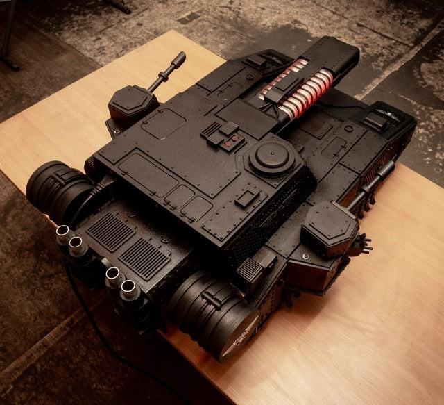 Российский дизайнер сделал корпус для компьютера в виде танка
