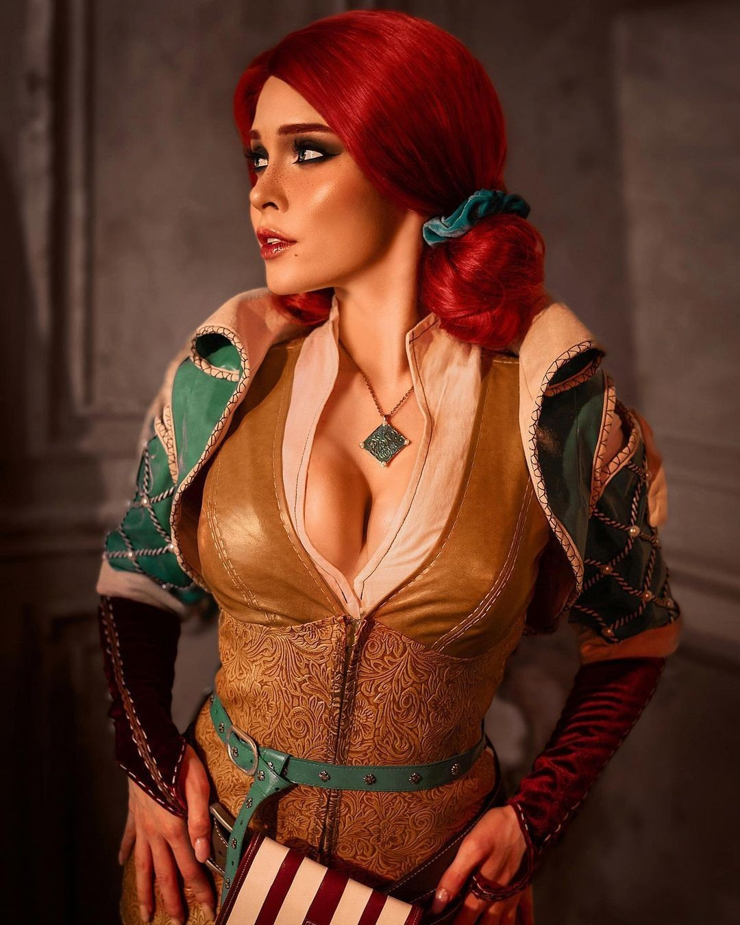 Она получила шрамы на груди в битве при СодденХилле Илона Бугаева показала Трисс Меригольд из The Witcher 3