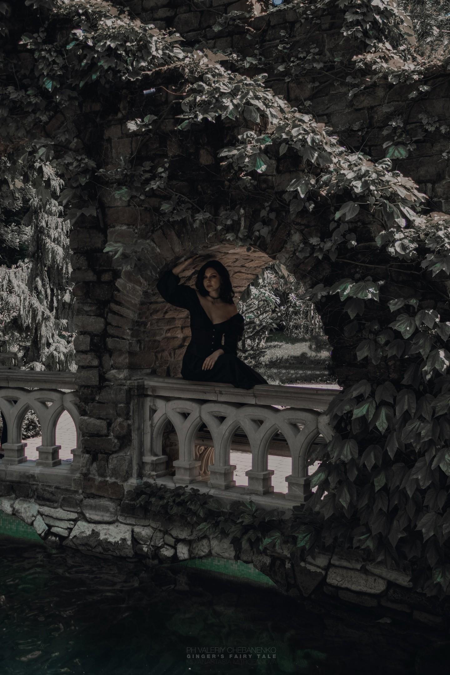 Как выглядит книжная Йеннифэр из Ведьмака косплей от Анастасии Митрофановой