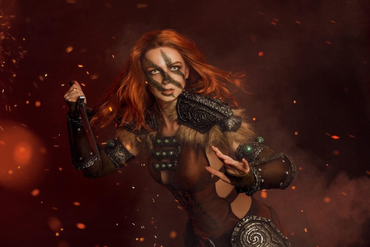 Харизматичная и желанная Эйла Охотница из TES 5 Skyrim косплей от Алены Сысуевой