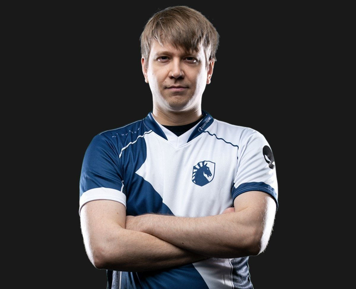Кто достоин участия в новом турнире на Полях сражений от Blizzard