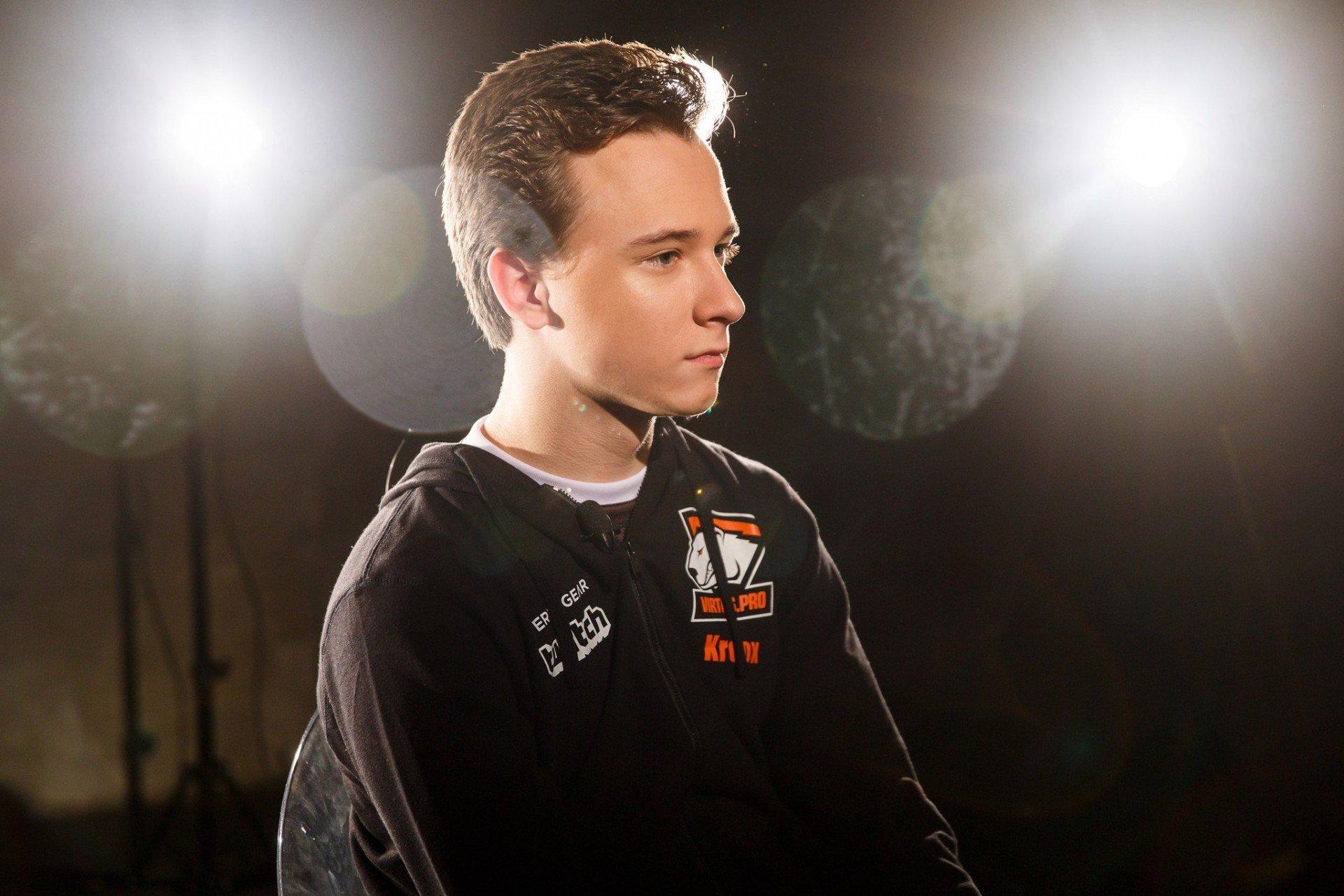 Российский игрок по LoL достиг рейтинга Претендент