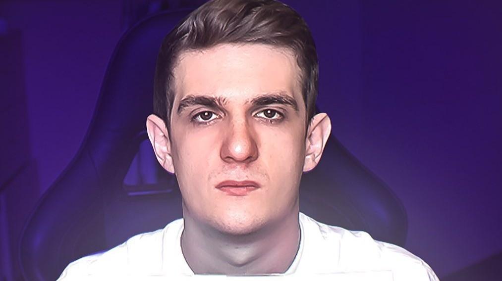 Twitch разбанил канал Evelone