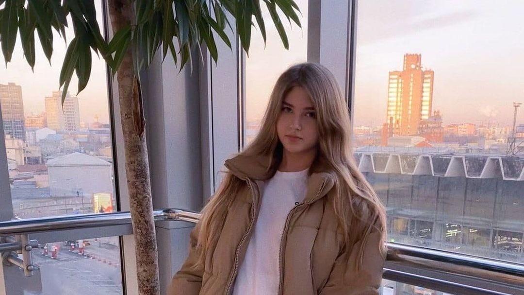 Русскоязычной стримерше угрожал зритель он преследовал ее и обещал убить