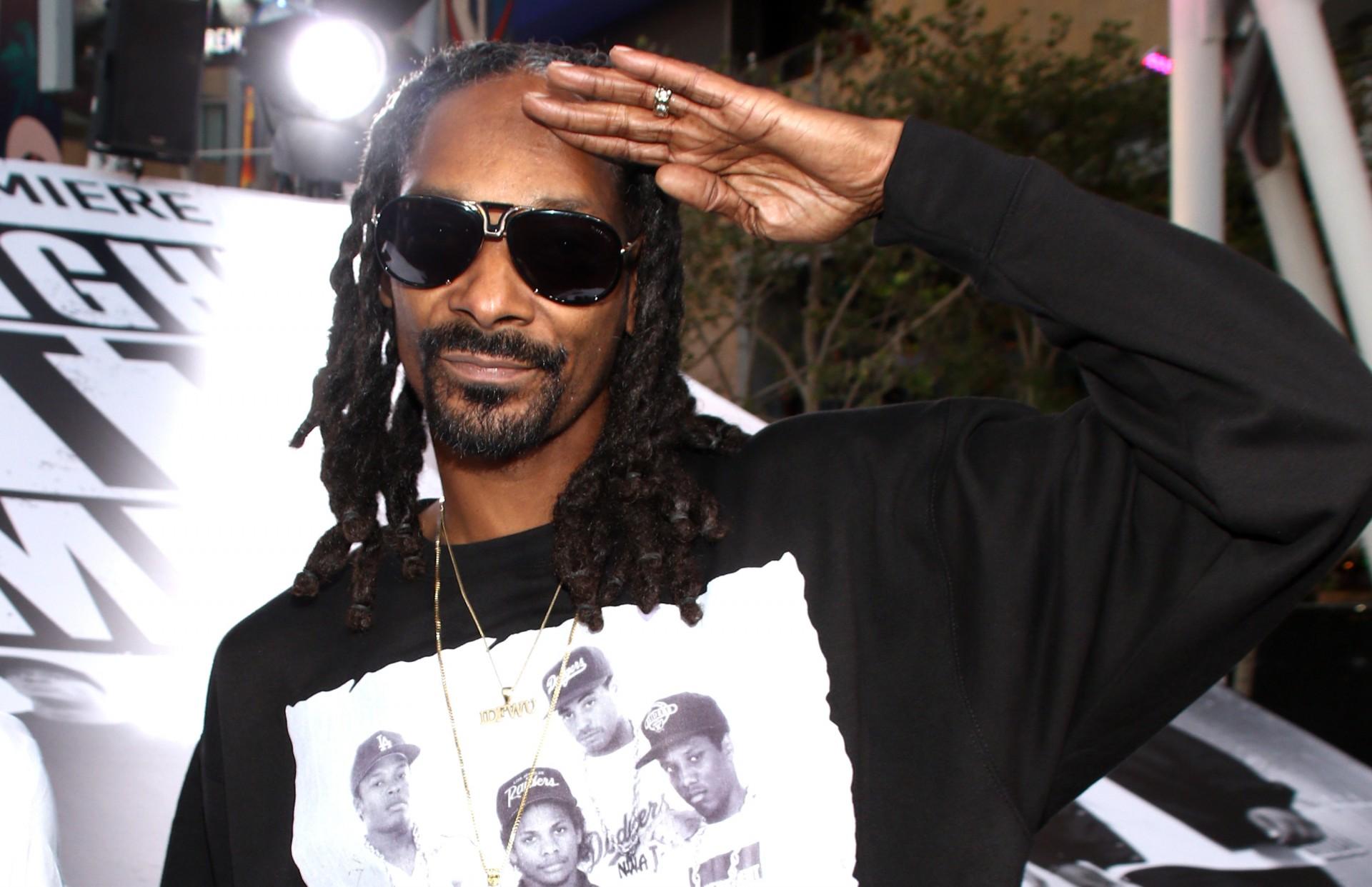 Почти неделю рэпер Snoop Dogg вел стримы в полной тишине он просто забыл