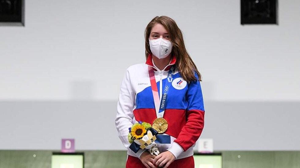 Олимпийская чемпионка Виталина Бацарашкина выступала с ведьмачьим медальоном на шее