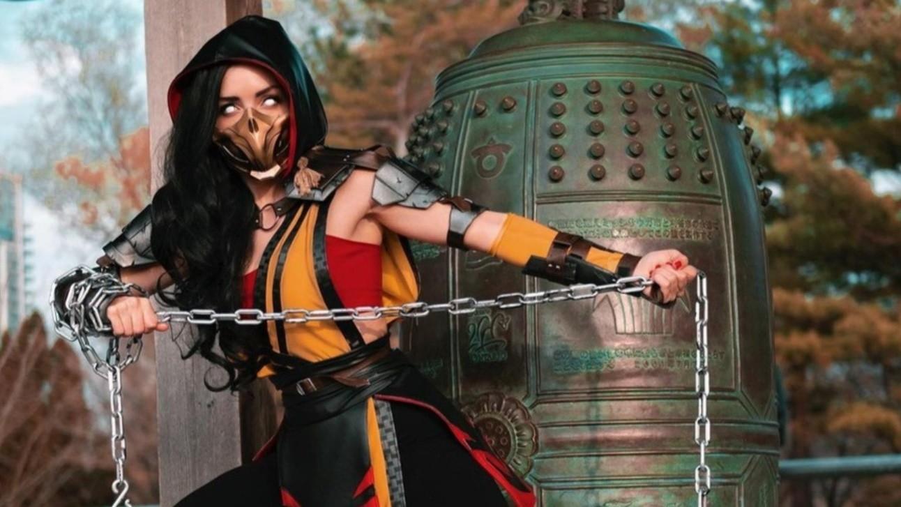 Эти пугающие глаза женская версия Скорпиона из Mortal Kombat