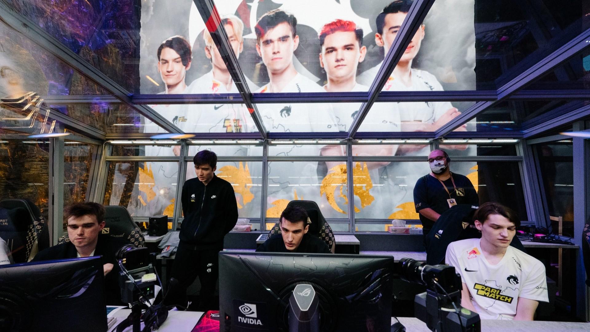 Команда из России выбила действующего чемпиона The International по Dota 2