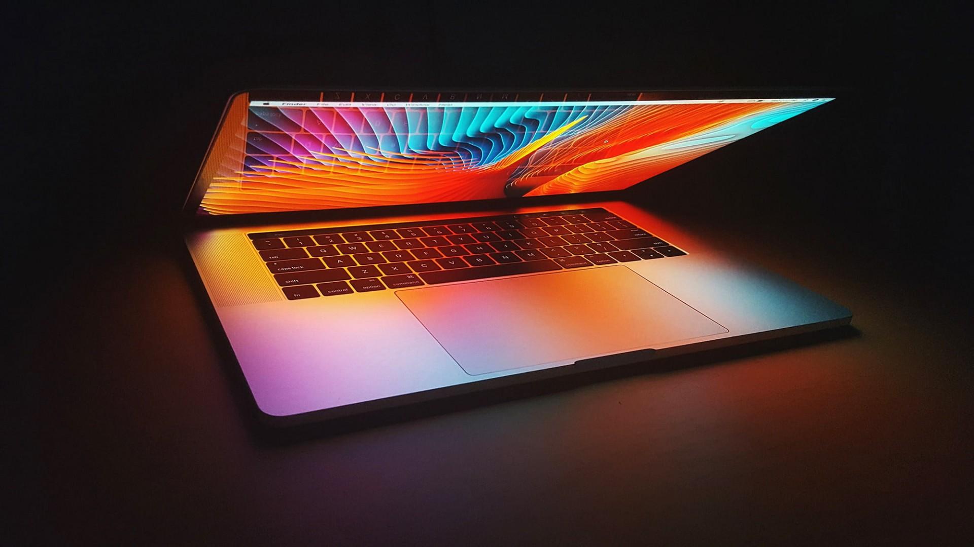 Что показали на презентации Apple 18 октября AirPods 3 и новые MacBook Pro
