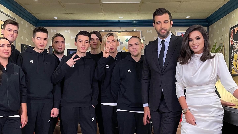 Игроки Team Spirit станут гостями шоу Вечерний Ургант на Первом канале