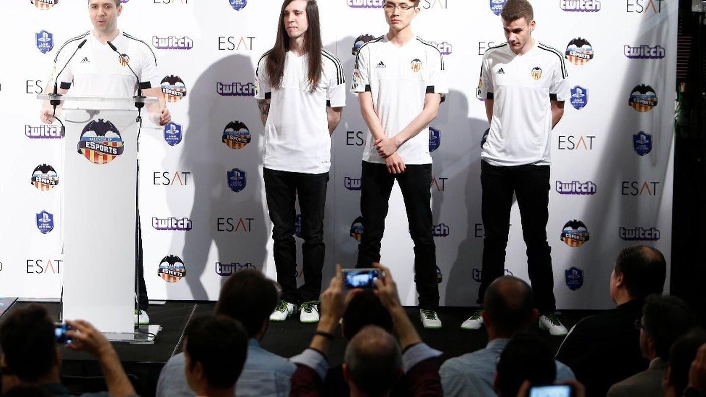 ФК Валенсия не последняя команда в киберспорте летучие мыши имеют хорошие составы по TFT FIFA и Fortnite