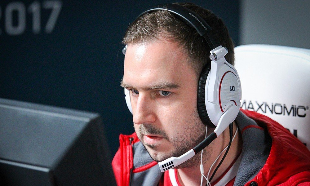 Oskar о наказании тренеров в CSGO Я бы честно говоря забанил Valve за то что она гадит на свою лучшую игру